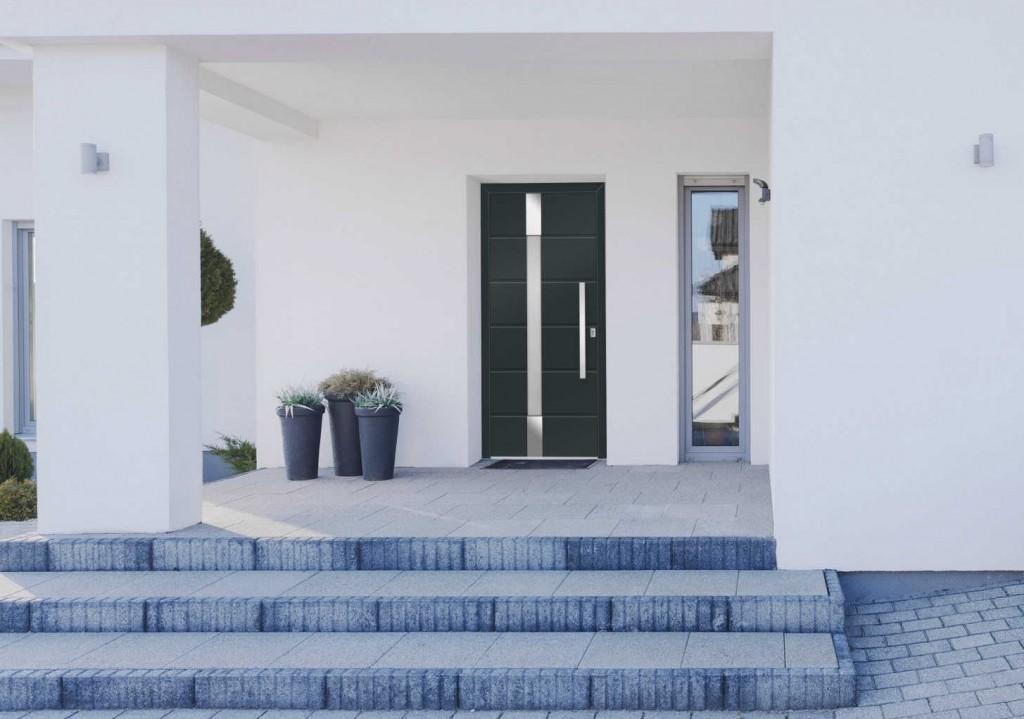 Moderna akcijska vhodna vrata